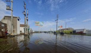 Colapso de dren provocó un enorme aniego que afectó varias calles de Chimbote
