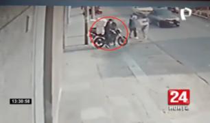 Independencia: cuatro delincuentes interceptan a hombre y roban su moto