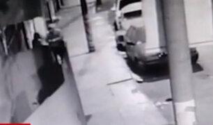 Los Olivos: delincuentes roban casa de apuestas y se llevan TVs valorizados en S/15 mil