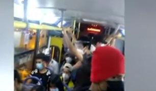 Pasajeros del transporte público no respetan uso de careta facial ni distanciamiento social
