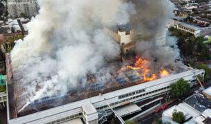 Chile: enorme incendio en hospital obliga a evacuar a pacientes y personal sanitario