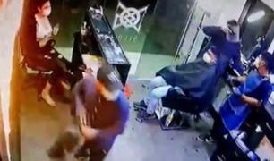 Lince: peligrosos delincuentes roban a trabajadores y clientes de una barbería