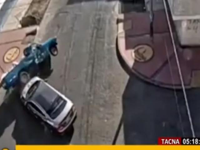 Tacna: cámaras captaron violento choque entre autos