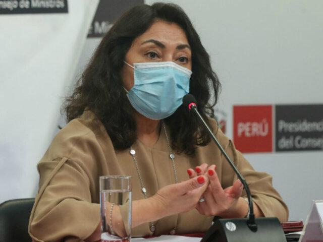 Premier Bermúdez: Invitaremos al personal de las clínicas a sumarse  al equipo de vacunadores