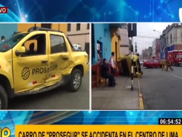 Camioneta de Prosegur chocó contra un auto en el Cercado de Lima