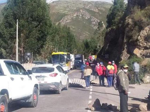 Bloquean vía Cusco-Arequipa exigiendo mayor presupuesto para la provincia de Canchis