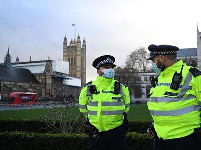 Reino Unido es primer país europeo en sobrepasar 100 mil muertos por COVID-19