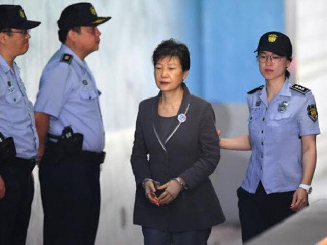 Corea del Sur: 20 años de cárcel para expresidenta por corrupción