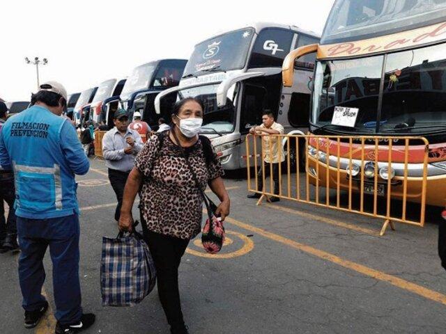 Ejecutivo aclara que continuarán viajes interprovinciales pero respetando el toque de queda