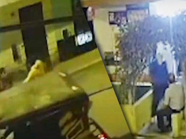 Delincuente en moto asalta a tres personas en El Agustino