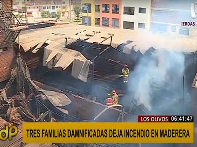 Los Olivos: voraz incendio en taller de madera dejó tres familias damnificadas