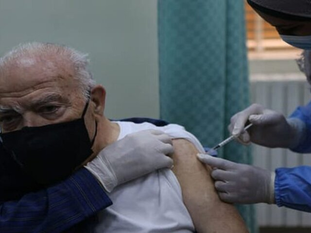 ¿Cómo será el proceso de inoculación de los adultos mayores?