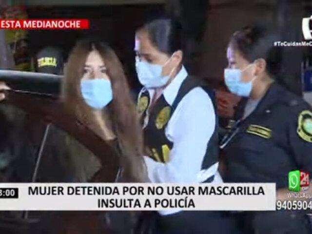 Detienen a mujer por insultar a policías que le solicitaban usar mascarillas