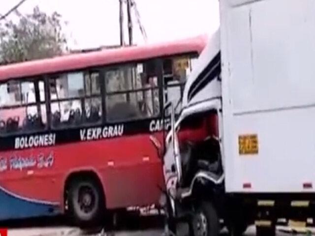 Accidente vehicular dejó un fallecido y tres heridos en Huachipa
