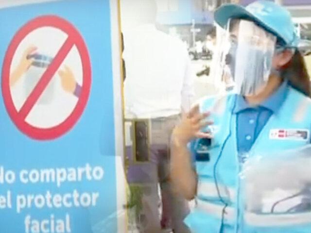 ATU regala protectores faciales a pasajeros con solo presentar su DNI
