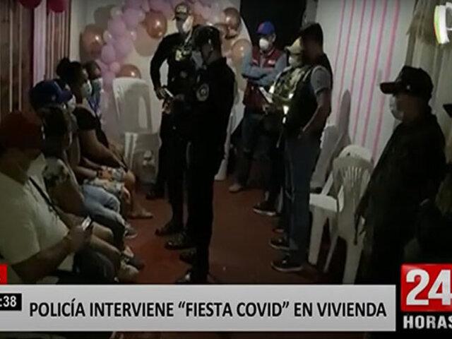 Policía encuentra a un sujeto escondido bajo un cartón al intervenir fiesta clandestina