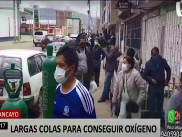 Huancayo: oxígeno medicinal viene siendo buscado por decenas de personas