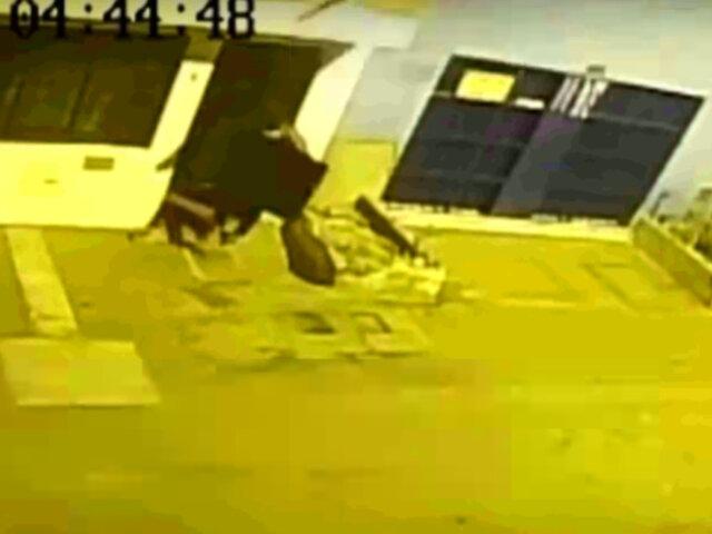 SJM: ladrones entran y roban en vivienda mientras dueños dormían