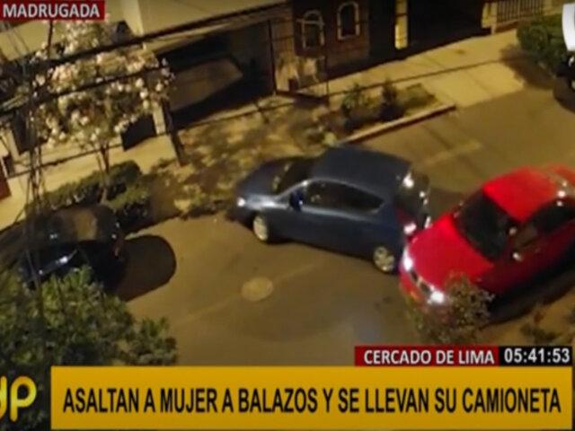 Cercado de Lima: asaltan a mujer y se llevan a su camioneta
