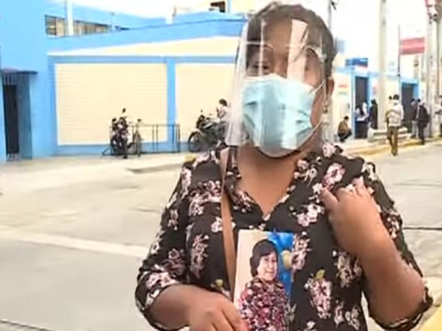 Mujer pone en venta su casa para comprar cama UCI y salvar a su madre con coronavirus