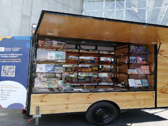 Biblioteca Nacional presenta el Bibliomóvil para promover la lectura en zonas vulnerables