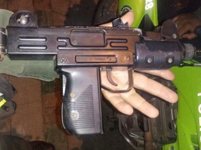 Callao: PNP captura a tres sujetos que tenían en su poder una arma mini uzi