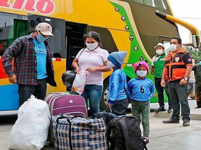 Terminales de buses amanecieron con alta demanda tras anuncio de cuarentena