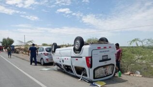 Piura: chofer y pasajero mueren tras choque de mototaxi contra miniván