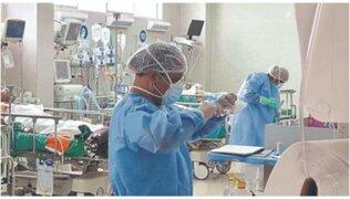 Gobierno autorizó entrega de bono extraordinario para personal asistencial de EsSalud