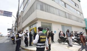 Independencia: peligrosos delincuentes roban en agencia de Mibanco