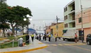 Sujetos en moto asesinan a balazos a un joven en Chorrillos
