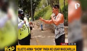 Surco: inconsciente sujeto se enfrenta a autoridades para no usar mascarilla