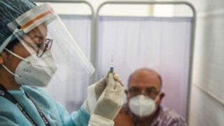 Covid-19: aprueban decreto para evitar favorecimientos durante vacunación