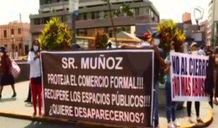 Comerciantes formales de Mesa Redonda protestas por presencia de ambulantes