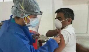 Covid-19: médico del hospital Loayza es el primer peruano en recibir la vacuna de Sinopharm