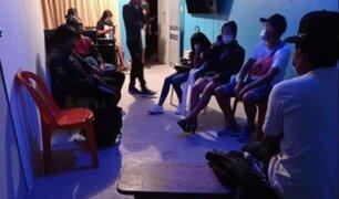 Agentes PNP intervienen a menores que participaban en 'fiesta COVID' en Camaná