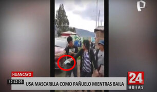 Huancayo: mujer baila usando mascarilla como pañuelo y causa indignación