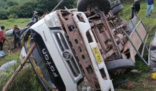 Un  muerto  y diecinueve heridos deja volcadura de camión en el Cusco