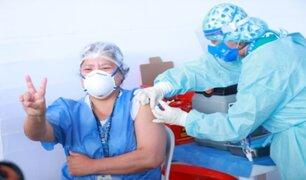 Más de 77 mil profesionales de la salud ya fueron inmunizados contra la COVID-19