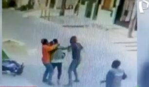 Vecinos de SMP casi linchan a ladrón que robó celular a joven