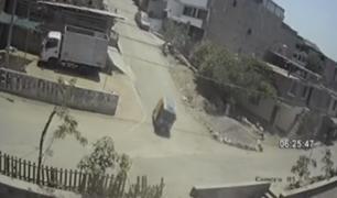 SJM: mototaxi se despista y deja a conductor herido