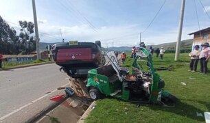 Junín: un muerto y dos heridos graves dejó choque entre mototaxi y camioneta