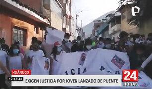 Decenas marchan tras conocerse que autoridades colombianas hallaron el cuerpo del joven peruano