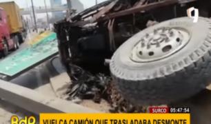 Surco: se vuelca camión que trasladaba desmonte