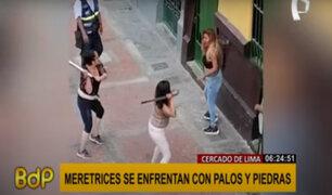 Cercado de Lima: trabajadoras sexuales se enfrentan con palos y piedras por clientes
