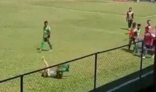 Histórica simulación: el preciso instante en que futbolista fingió ser agredido durante partido