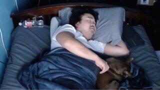 Streamer gana 16 000 dólares por grabarse durmiendo