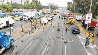 San Borja: triple choque ocasionó derrame de petróleo en la Panamericana Sur