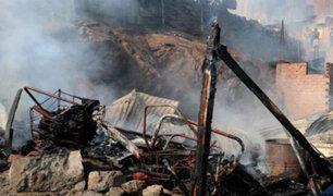 Gran incendio consumió viviendas en San Juan de Lurigancho