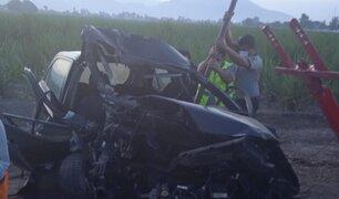 La Libertad: Joven policía fallece tras choque entre auto y camión